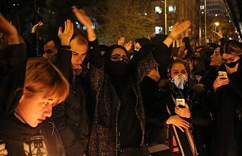 İran'da tansiyon düşmüyor: 30 kişi gözaltına alındı