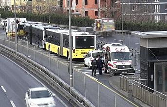 İstanbul'da metrobüsler çarpıştı: Yaralılar var
