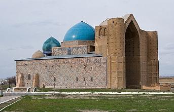 Kazakistan'daki Hoca Ahmet Yesevi Türbesi'ne rekor ziyaret
