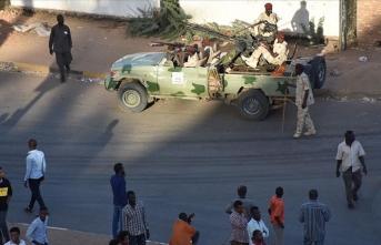 Sudan'da ordu istihbarat merkezlerine operasyon başlattı