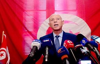 Tunus Cumhurbaşkanı Said dış politikada inisiyatifi ele alıyor
