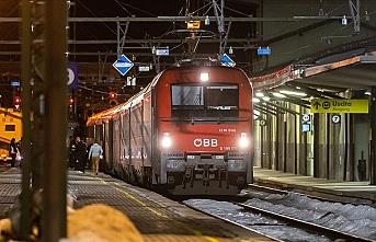 Avusturya İtalya'dan tren seferlerini durdurdu