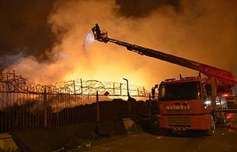 Fabrika yangını 50 saattir söndürülemiyor
