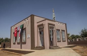 İHH İnsani Yardım Vakfı Sudan'da yaptırdığı 3 camiyi ibadete açtı