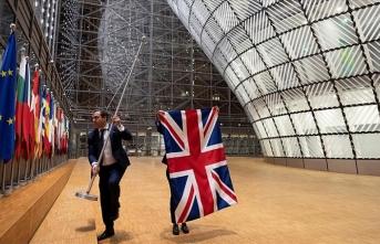 İngiliz bayrakları, Brüksel'deki AB kurumlarından indirildi
