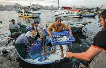 İsrail Gazze'de avlanma mesafesini yeniden 15 mile çıkarıyor