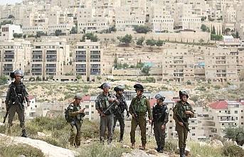 İsrail güçleri Şeria'nın batısında 5 beldenin giriş-çıkış yollarını kapattı