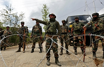 Keşmir'de Hint ve Pakistan ordusundan karşılıklı operasyon: 1 ölü, 13 yaralı