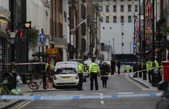 Londra'da 2. Dünya Savaşı'ndan kalma bomba paniğe yol açtı