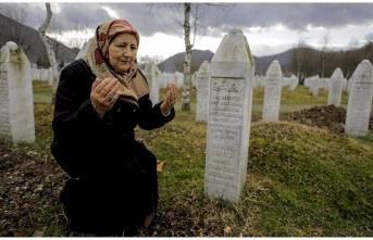 Mezarlar, anneleri Srebrenitsa'da tutuyor