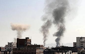 Sular durulmuyor! Suudi Arabistan başkenti bombaladı