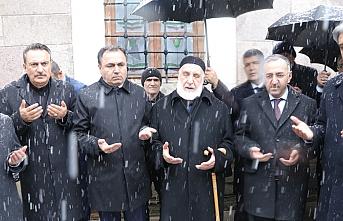 Türkiye'de yaşanan felaketler için mevlit okutulup kurban kesildi