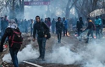 Yunanistan sınırına dayanan göçmenlerin sayısı her geçen saat artıyor...