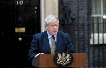 İngiltere Başbakanı: 12 haftada koronavirüste durum tersine çevrilebilir