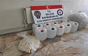 İzmir'de 300 litre bandrolsüz dezenfektan ele geçirildi