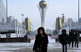 Kazakistan'da döviz alımlarına sınırlama