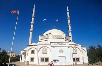 Kuzey Kıbrıs'ta toplu ibadet ikinci bir emre kadar yasaklandı