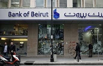 Lübnan ekonomik iflasın eşiğinde
