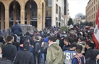 Lübnanlılardan ekonomik kriz protestosu