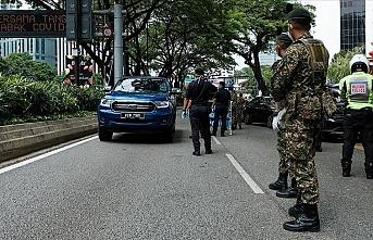 Malezya'da asker koronavirüs tedbirleri kapsamında sokağa indi