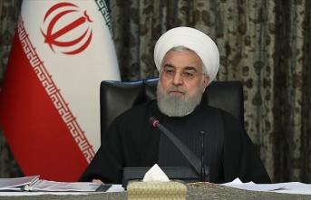 Ruhani'den dünya liderlerine 'yaptırımlara uymayın' çağrısı