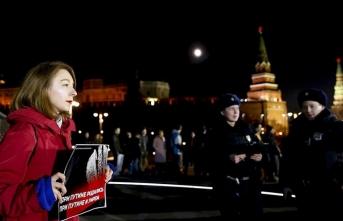 Rusya'da Putin'in yeniden devlet başkanı olmasını sağlayacak düzenleme protesto edildi