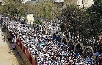 Ülkesindeki Müslümanları vatansızlaştıran Modi'ye Bangladeş'ten protesto