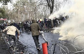 Yunanistan'ın göçmenlere muamelesi dehşete düşürdü.. Askerler bir göçmeni öldürdü