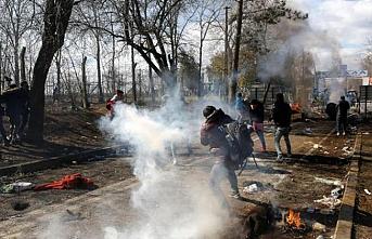 Yunanistan, Kastanies Sınır Kapısı'na beton bloklar yerleştirdi