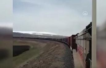82 konteynerli dev ihracat treni Orta Asya'ya doğru yola çıktı