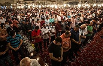 DİB'den Cemaatle kılınan namazlar için yeni açıklama