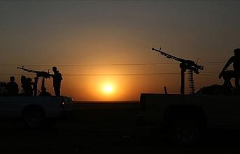 Esed'in askerleriyle YPG/PKK'lı teröristler Kamışlı'da çatıştı