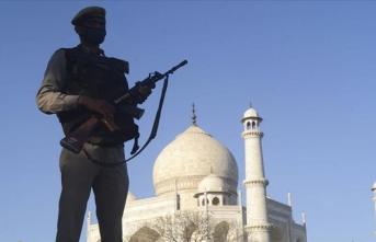 Hindistan'da Kovid-19'un yayılmasında Müslümanlar hedef haline getirildi