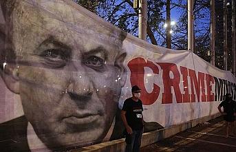 İsrail'de koalisyon krizi sürüyor