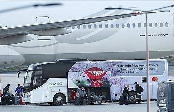 Kanada'dan 349 Türk vatandaşı İstanbul'a getirildi