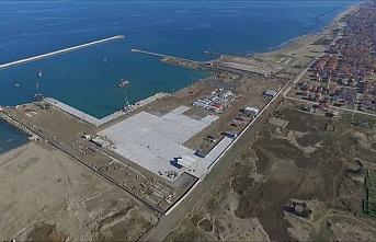Karasu Limanı'nda başlayan Ro-Ro seferleri kapsamında Romanya'ya deneme seferi yapıldı
