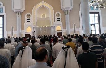 Katar'da koronavirüs nedeniyle sadece bir camide cuma ve teravih namazı kılınacak