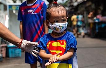 Koronavirüsün yeni hedefi çocuklar mı? Avrupa'daki çocuklarda görülen yeni hastalık