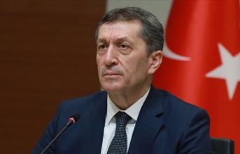 Milli Eğitim Bakanı Selçuk: Yaz tatilinin ortadan kalkması söz konusu değildir