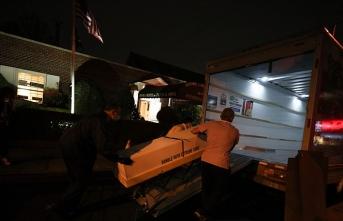 New York'ta günlerdir sokakta bekletilen kamyonlarda onlarca ceset bulundu