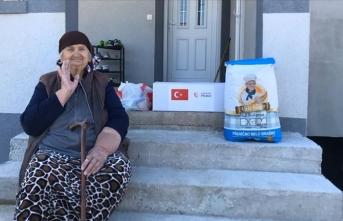 TİKA'dan Karadağlı ailelere gıda ve temizlik malzemesi yardımı