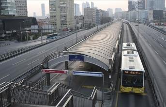 Toplu taşıma araçlarında sosyal mesafenin korunmasına yönelik yeni tedbirler alındı