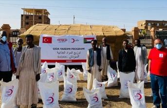 Türk Kızılay Sudan'daki ihtiyaç sahiplerine yardımlarını sürdürüyor