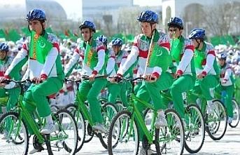 Türkmenistan'da bugün toplu bisiklete binme etkinliği yapılacak
