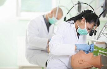 YÖK'ten eczacılık ve diş hekimliği öğrencilerine staj kolaylığı