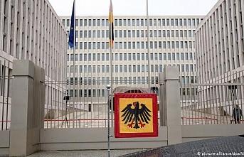 Alman istihbaratı BND'nin yurt dışı dinleme faaliyetleri anayasaya aykırı bulundu