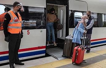 Ankara'dan yola çıkan ilk tren İstanbul'a ulaştı