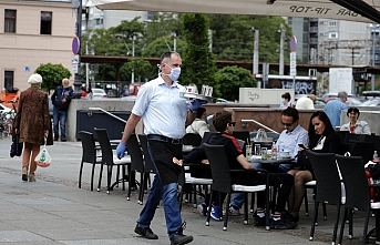 Bosna Hersek'te kafe ve restoranlar açıldı