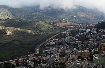Dünya virüsle uğraşıyor İsrail Golan tepelerinden füze fırlatıyor