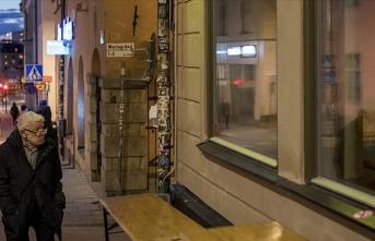 İsveç'te bazı huzurevlerinde Kovid-19 hastası yaşlıların ölüme terk edildiği iddiası